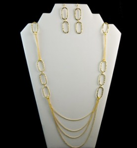 Gold Oval Necklace Set