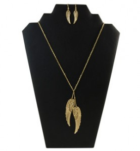 Gold Angel Wings Necklace Set