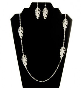 Silver Feather Necklace Set